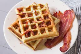 oXNXoT4sQCaa6i27rD89_Bacon-Waffles-3
